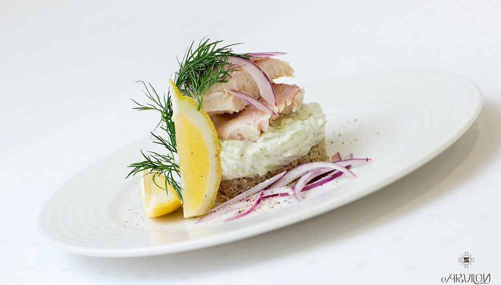 tatar z łososia Restauracja Akvilon